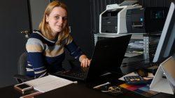 Lisa Slijpen op haar nieuwe werkplek