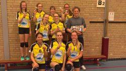Het team MB 1 (meisjes B 2e klasse J) wederom kampioen