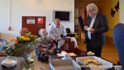 Feest in De Waadwente: Dirkje vd Zee- de Graaf 100 jaar
