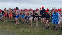 Bij Beleef Lauwersoog zijn 123 helden het koude Lauwersmeer in gedoken