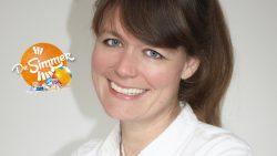 Journalist Bette Dam te gast in De Simmer fan...