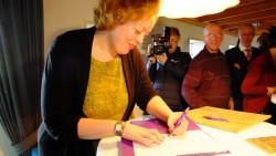 Sietske Poepjes ondertekent als eerste