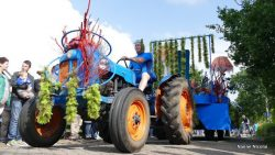Optocht dorpsfeest Broeksterwâld/De Falom