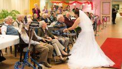 Dinnershow met bruidsmodehow in Talma Hoeve te Feanwâlden