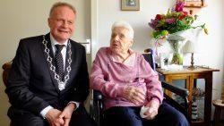 Mevrouw G. van der Bijl-Wagenaar 100 jaar