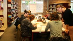 Workshop Handlettering in bibliotheek Kollum