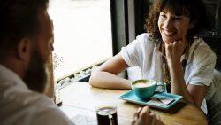 Albert de Vries en Jolanda Poortinga gasten tijdens Grand Cafe