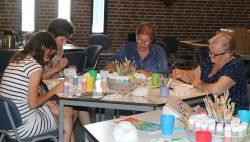 Keramiekschilderen: ontspannen en creatief bezig zijn