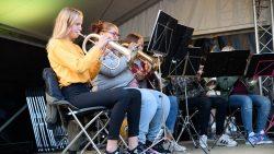 Een keur van orkesten op extra podium Breedstraat