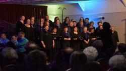 Brassband en Popkoor spetteren tijdens Nieuwjaarsconcert Ternaard