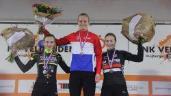 Burgumse Leonie Bentveld Nederlands kampioen veldrijden