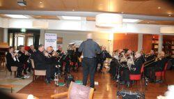 Nieuwjaars optreden van brassband Fryslân 50+ in Meckama State
