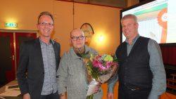 Kees Luinstra werd gehuldigd door Douwe Keegstra en Willem van der Veen