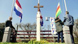 Herdenking bij oorlogsmonument op Achterwei