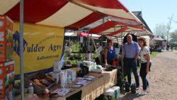 Openings/paasmarkt bij Bloemenparadyske Kollum