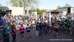Overlevertocht trekt veel deelnemers naar Damwâld