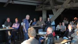 Deelnemers Dockumer Granaet Rally krijgen instructies