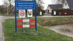 In Hantumhuizen bestaat de oude gemeente Dongeradeel nog