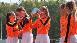 VV Kollum MO19 viert kampioenschap