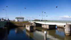 De komende vier jaar volgen Omrop Fryslân en NH Media de verbouwing van de Afsluitdijk.