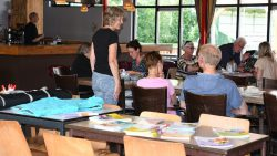 Reina Hes van Stichting het Bolwerk  links op de foto. Meer foto's op www.rtvnof.nl
