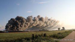 Grote brand bij pluimveebedrijf in Niawier