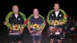De winnaars Jelle Jaap Stiemsma, Jaap Klijnstra en Jan Boltjes