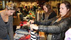 Tweede editie kledingbeurs Holwerd goed bezocht