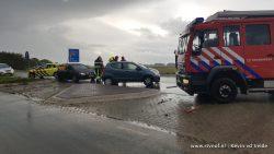 Auto's botsen frontaal op N357 bij Hallum