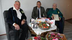 Echtpaar de Jong uit Metslawier 60 jaar getrouwd