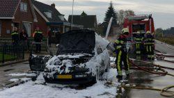 Auto volledig uitgebrand in de Westereen