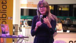 Bette Dam vertelt over haar ervaringen in het Oosten