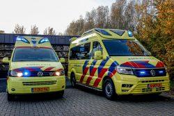 Nieuwe ambulance voor post Dokkum