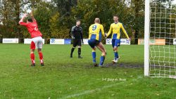 Jaap de Bruin met de 3-0. Kijk voor meer foto's op www.rtvnof.nl