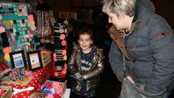 Gezellig ingerichte markt Sin yn Sinterklaas in Oudwoude