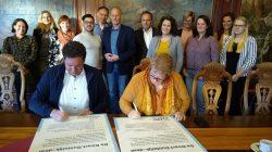 Wethouders ondertekenen Direct Duidelijk-deal