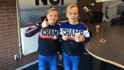 Broers Holwerda doneerde hun lange haren voor het goede doel