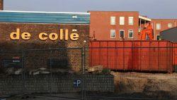 Sloop De Colle en Bibliotheek te Kollum in volle gang