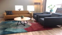 Vernieuwde huiskamer voor palliatieve zorg in De Waadwente Dokkum geopend