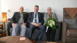 Jan Eisma en Tiete Eisma-Kempenaar 60 jaar getrouwd