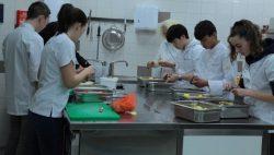 Een verzorgd diner voor ouders Lauwers College Kollum