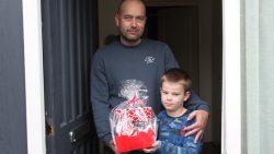 Durk Leijstra ontvangt Valentijnsontbijt voor zijn vrouw