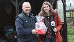 Peter Attema blij verrast door zijn vrouw met Valentijnsontbijt