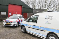 Burgemeester en politie sluiten drugspand Wânswert
