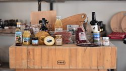 Diverse streekproducten via standhouder Marieke Andringa van Frisian Angus