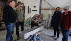 Marcel van Zijp (beeldhouwer) heeft zich sinds 2019 gevestigd in Kollum